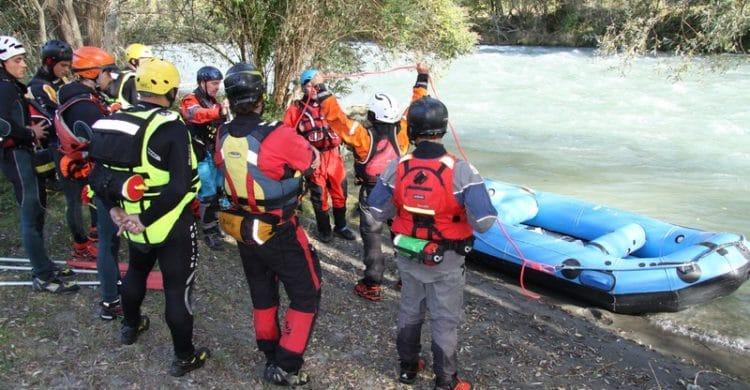 R3-France-formation-securite-eau-vive-rescue3-wrt-pro-savoie-france-10-750x390