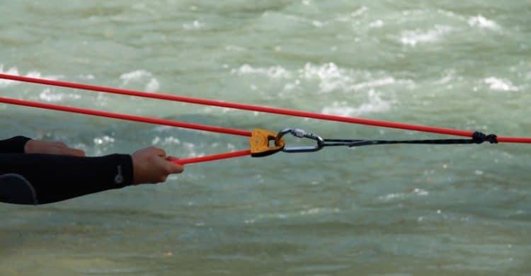 R3-France-formation-securite-eau-vive-rescue3-wrt-pro-savoie-france-13-750x390