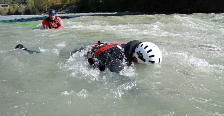 R3-France-formation-securite-eau-vive-rescue3-wrt-pro-savoie-france-15-750x390
