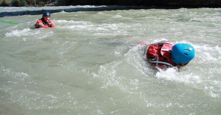 R3-France-formation-securite-eau-vive-rescue3-wrt-pro-savoie-france-16-750x390