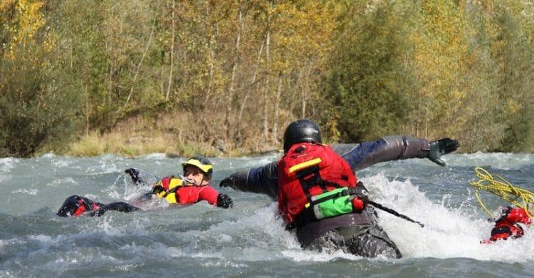 R3-France-formation-securite-eau-vive-rescue3-wrt-pro-savoie-france-8-750x390