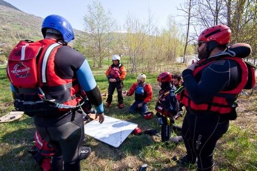 Formation-Rescue3-SFR-premier-assistant-eau-vive-et-inondation (5)