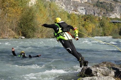 Formation-Rescue3-SRTA-W-Technicien-Sauveteur-Eau-vive-inondation-perfectionnement-eau-vive (1)