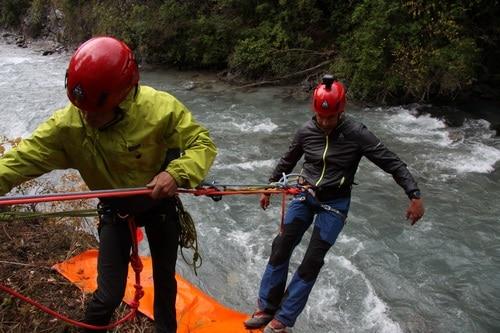 Formation-Rescue3-WRT-A-Technicien-sauveteur-eau-vive-perfectionnement (4)