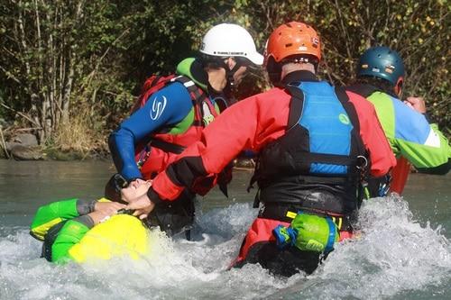 Formation Rescue3-WRT-Rec-Technicien-sauveteur-eau-vive-canoe-kayak-hydrospeed (2)